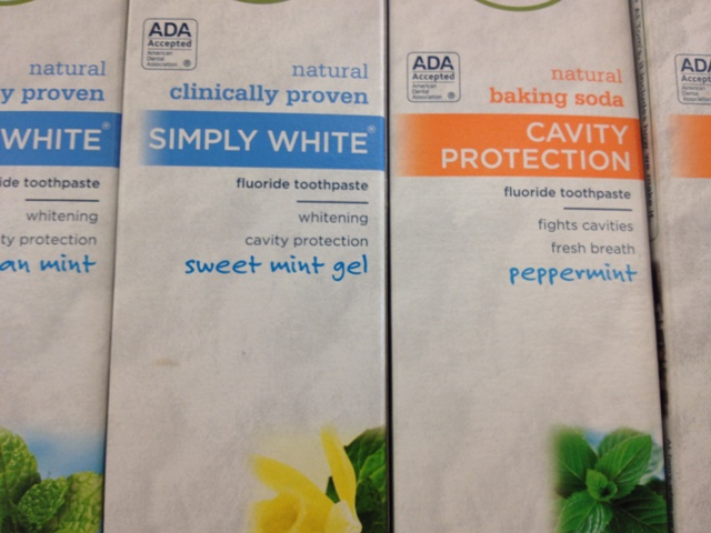 The flavor of Sweet Mint sort of reminds me of white Tic Tacs.